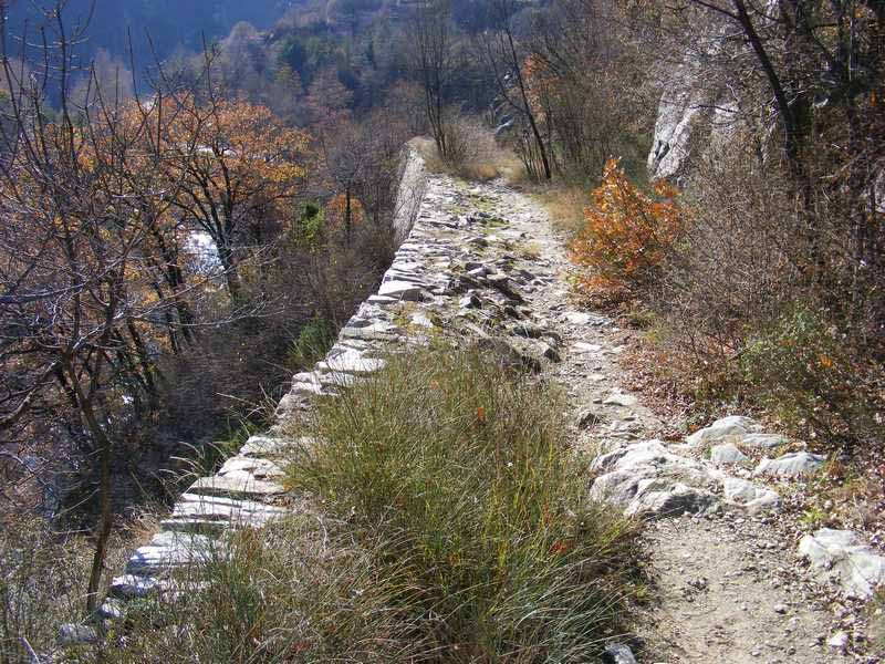 The ancient roman road near Lukovitsa.
