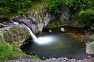 Водопадът Гюмбюртията през пролетта.