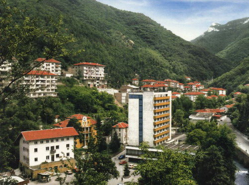 Дворът на манастира.